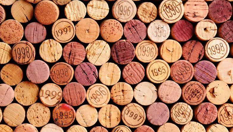 şarap mantarları, tıkaçları.